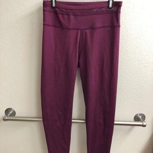 Fabletics 7/8 length leggings (high waisted)